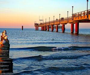Steeg in der Ostsee bei Sonnenuntergang