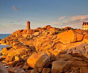 Sonnenuntergang an der Küste Granit Rose