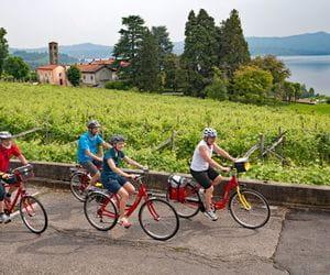Cyclists at Lake Viverone