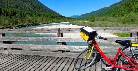 Eurobike Fahrrad auf einer Brücke über der Isar