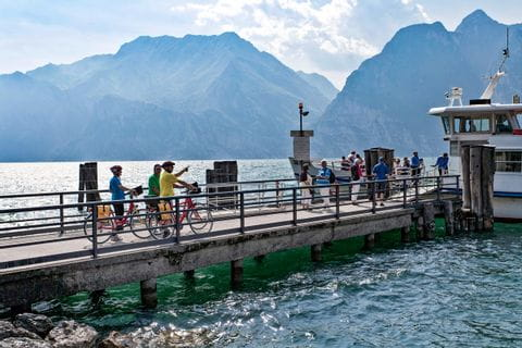 Bootsanlegesteeg am Gardasee