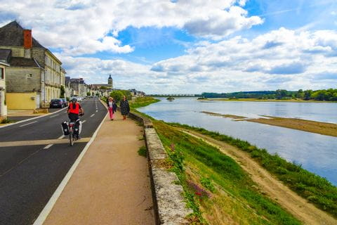 Cycle path on the Loire