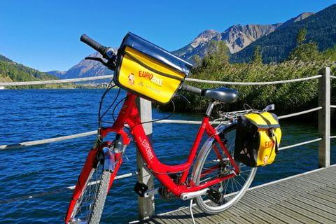 Fahrrad am Steg beim Haidersee