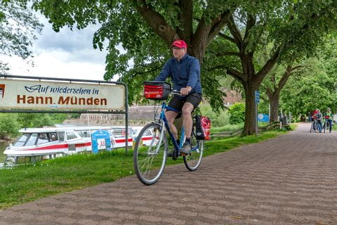 Biker on the Weser cycle path