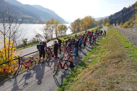Radgruppe beim Radfahren