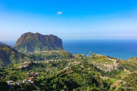 Hügellandschaft auf Madeira