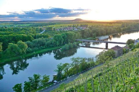 Sonnenuntergang über der Elbe