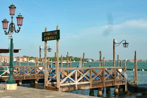 Gondelhaltestelle in Venedig