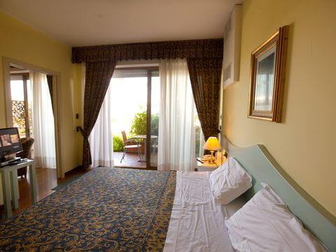 Pool vom Hotel Lido am Gardasee