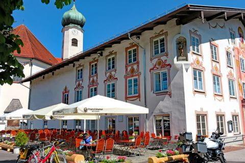 Beer garden in Eschenlohe