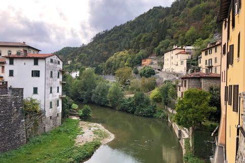 Ausblick auf Fluss nahe Florenz