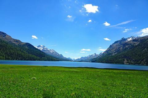 Blick auf See bei St. Moritz