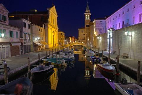 Kanal in Chioggia bei Nacht
