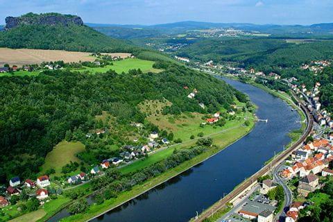 Blick von oben auf die Elbe