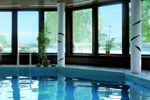 Indoor pool hotel Diehls