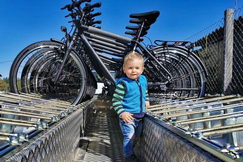 Davids Sohn Timo am Radhänger