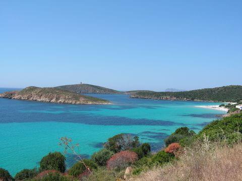 Türkises Meer an der Küste