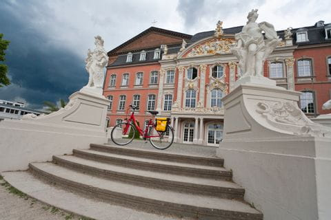 Bicycle in front of the Kurfürstlichen Palais