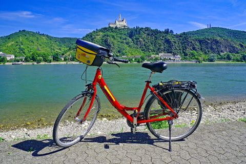 Fahrrad am Rheinradweg