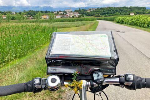 Radfahren durch die Landschaft