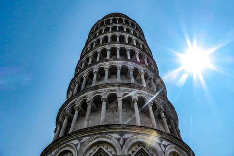 Schiefer Tum von Pisa