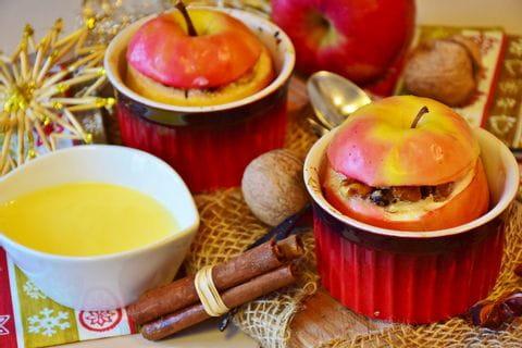 Bratäpfel mit Joghurt-Vanillesauce