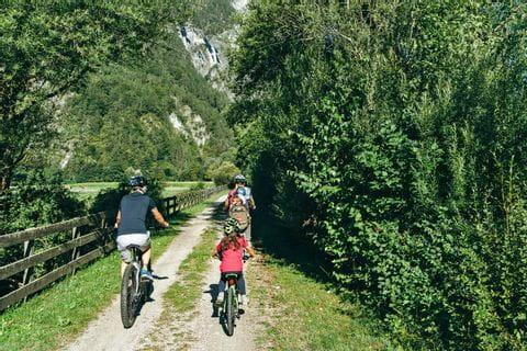 Radfahren am Drau-Radweg