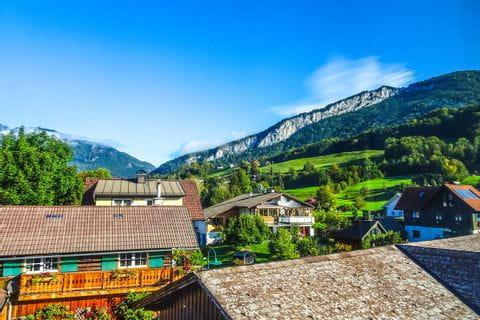 Bad Goisern im Bergpanorama