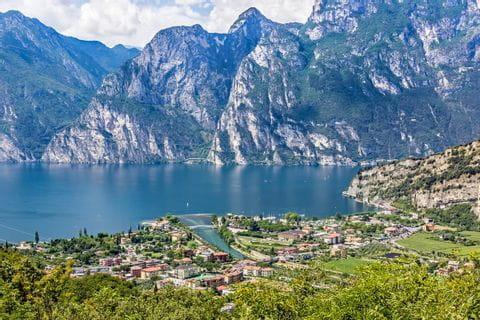 Blicke auf die Berge und den Gardasee
