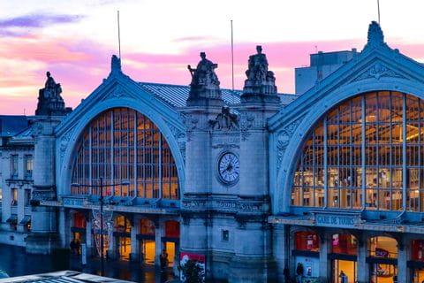 Bahnhof Tours