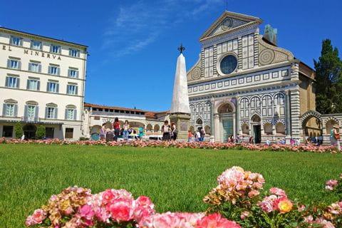 Blumen vor der Piazza di Santa Maria Novelle