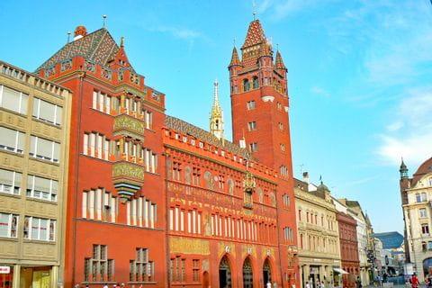 Das reich geschmückte Rathaus in Basel