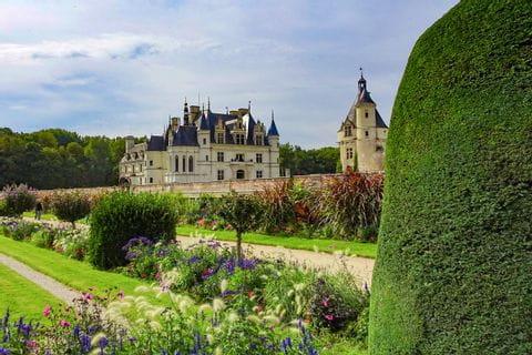 Castle Chenonceaux along the Loire cycle path