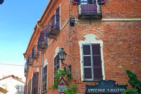 Wunderschönes altes Haus entlang der Radtour Turin nach Sanremo