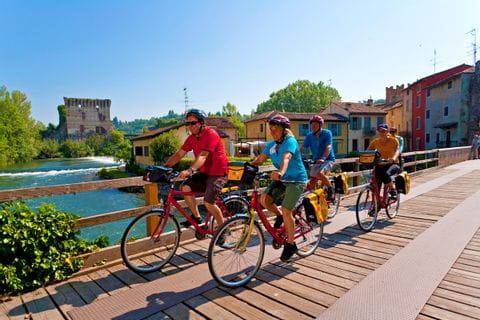 Etschbrücke entlang dem Radweg von Bozen nach Venedig