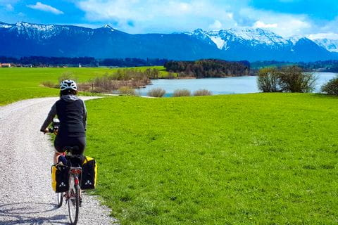 Radfahrer unterwegs im Allgäu