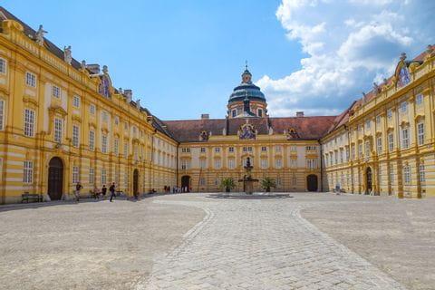 Schloss Stift Melk Innenhof