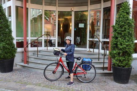 Sabine auf dem Fahrrad