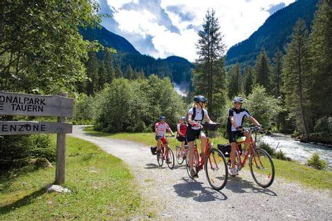 Radfahrer im Nationalpark Hohe Tauern