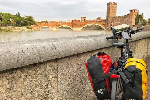 Impressionen vom Ponte Scaligero in Verona
