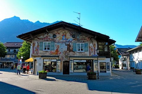 Typical bavarian house in Garmisch Partenkirchen