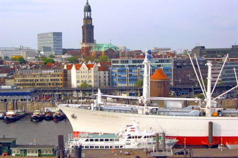 Blick auf den Hafen von Hamburg