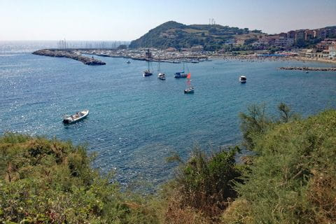 Blick aufs Meer an der toskanischen Küste