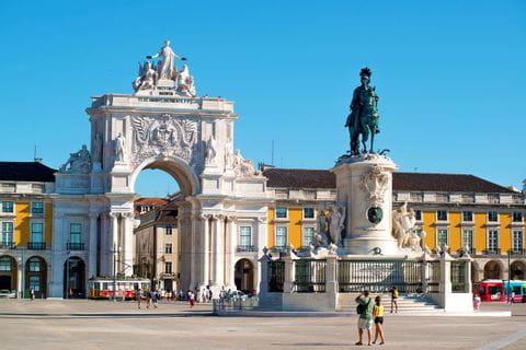Der Praca do Comercio und das Eingangstor zu Lissabons Altstadt