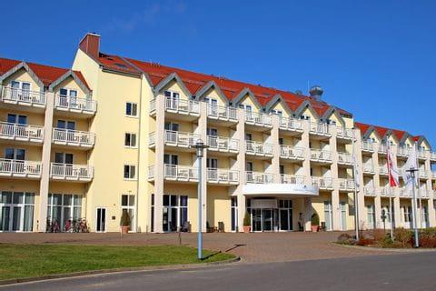 Außenansicht des Hafenhotel Rheinsberg
