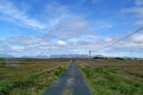 Einsamer Radweg in Irland