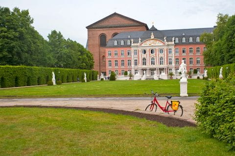 Bicycle in front of the Kurfürstlichen Palais