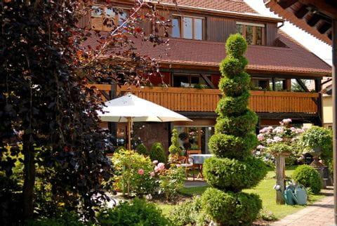 Garten des Hotels à la Ferme