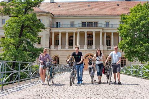 Radfahrer auf der Schlossbrücke