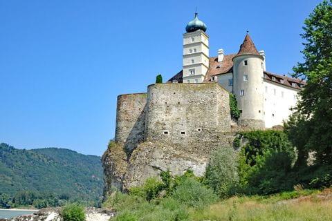 Castle Schoenbuehel